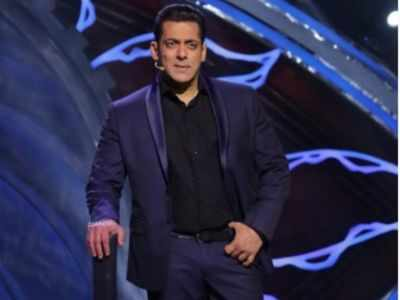 Salman Khan puts up notice for his fans outside his residence; details here