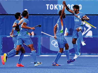 India enter hockey semis after 41 years