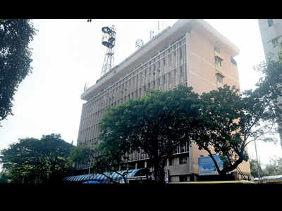 Flora Fountain building to house transport dept