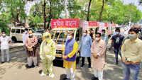 Madhya Pradesh: BJP leaders hold photo shoot with Covid hearses