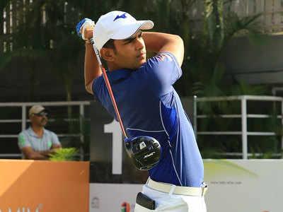 Teenager Bedi earns Asian Tour card