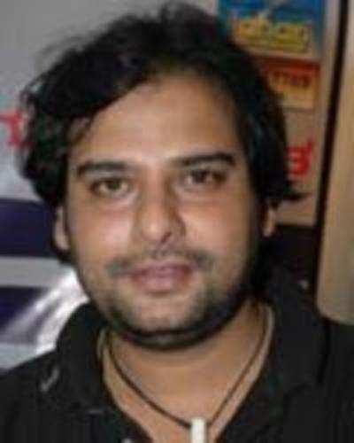 Naveen Mayur dies at 32