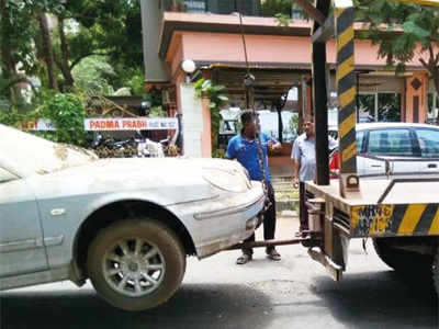 45 'dead' vehicles towed away in Goregaon West