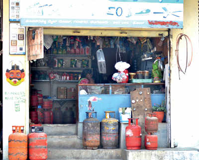 Cops do little to deactivate city's ticking LPG 'bombs'