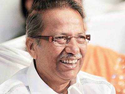 Uddhav's ailing father-in-law dies