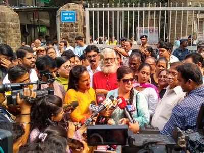 Wadia hospital shut down: Raj Thackeray's wife Sharmila meets protesting employees; BJP threatens to protest