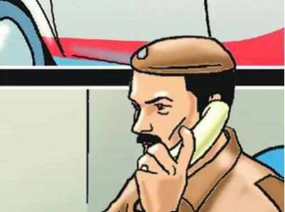 Thane: Man hammers wife to death, hangs himself