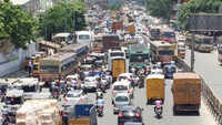 Chennai: Delay in construction of flyover leads to traffic mayhem in Koyambedu