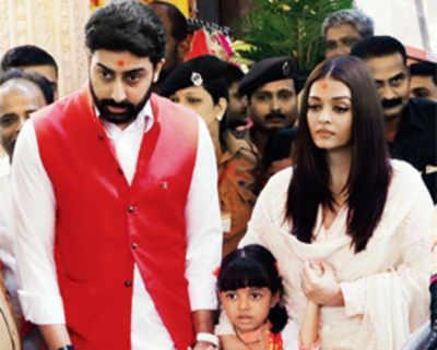 Abhishek Bachchan, Aishwarya Rai and daughter Aaradhya visit Siddhivinayak temple to mark 10th anniversary