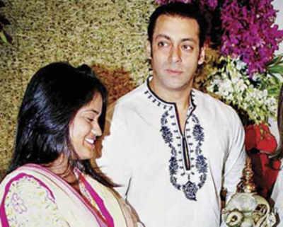 Salman Khan's Ganpati changes address, yet again