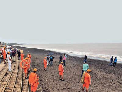 Cyclone Nisarga spares Gujarat