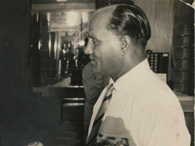 When the hockey legend Dhyan Chand stood in queue to watch a match