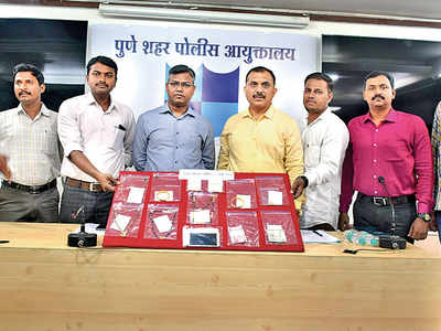 Crime branch cops bust gang operating on PMPML buses