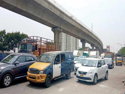 Roads jam-packed, despite lockdown