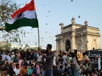 Gateway 'Occupied': Mumbaikars protest against JNU attack all night and day