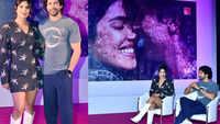 Priyanka Chopra and Farhan Akhtar unveil the 'Wall of Love' at Bandra Bandstand