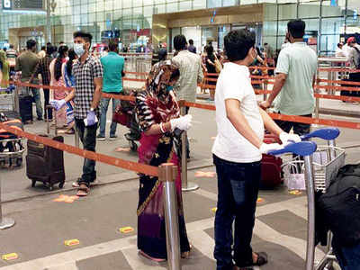 Ascend school parents help 180 migrants fly home from Mumbai to Bhubaneswar