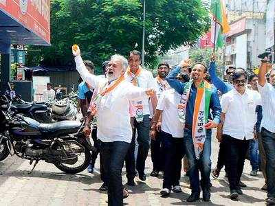 Cong, NCP stay non-violent, while MNS gets aggressive