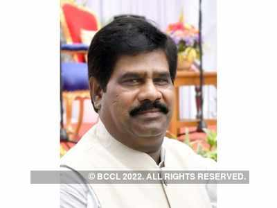 Independent MLA Nagesh resigns, withdraws support to Congress-JDS government
