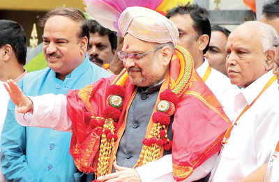 BJP leaders 'flex' muscles, but Amit Shah gets angry