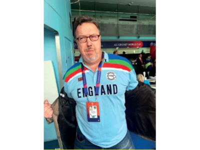 A passage to England: Derek Pringle's 1992 World Cup tee still fits him well
