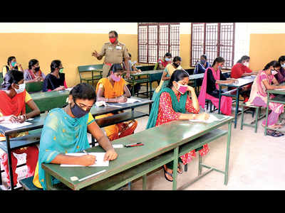 SPPU students seek clarity over first-semester exams