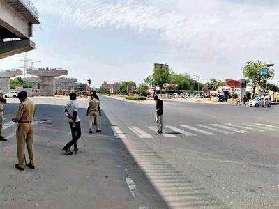 426 held across Gujarat for defying govt orders
