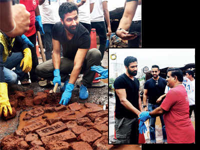 Vicky Kaushal fills potholes with Dadarao Bilhore in an appeal for better roads