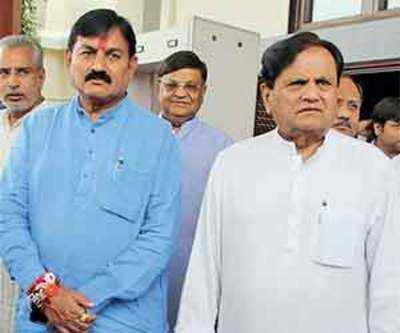 Ahmed Patel puts faith in group of 44 MLAs