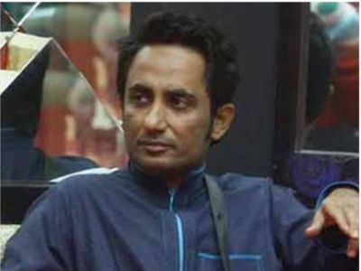 Former Bigg Boss contestant booked for threatening social worker