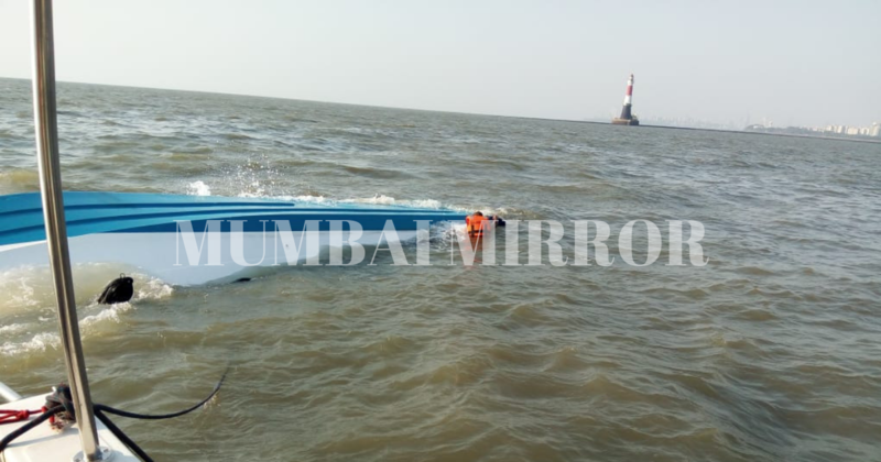 Boat carrying workers to site of Shivaji Smarak capsizes