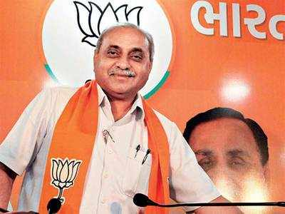 Cong baits Nitin Patel: 'Come with 15 MLAs, we will make you CM'