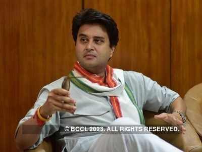 BJP leader Jyotiraditya Scindia, mother test positive for COVID-19