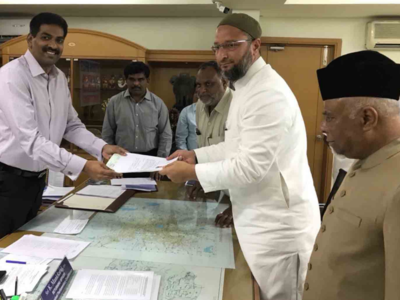 Asaduddin Owaisi keeps Aurangabad Lok Sabha seat plans open, makes brother file 'dummy papers' in Hyderabad