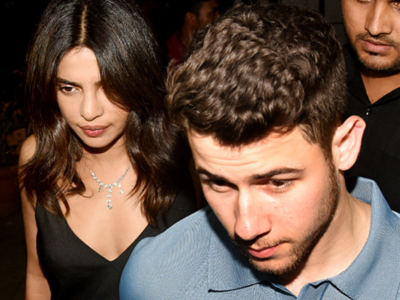 Photos: Priyanka Chopra and Nick Jonas step out for a dinner date in Mumbai