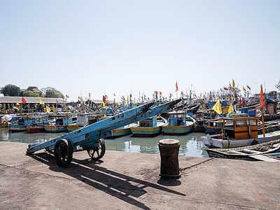 15,000 tonnes of fish dumped