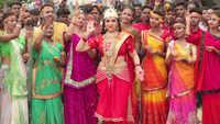 Exclusive photos from Bhojpuri stars Nirahua and  Amrapali Dubey's movie set