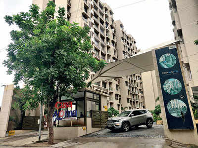 At odds with 'modern lifestyle', 48-yr-old kills self in Vastrapur