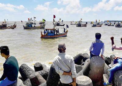 Shivaji Memorial: Can't lay underwater pipelines, cables, plead BMC, BEST