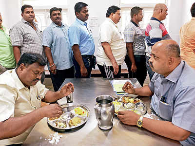 Fat under fire: Mumbai police launches fitness programme; 150 men given month off from work to attend the camp