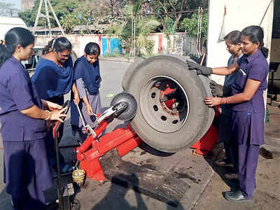 Women mechanics gravitate automatically to KSRTC