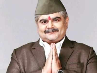 Deven Bhojani is back with best 90s sitcoms to provide some genuine comic relief