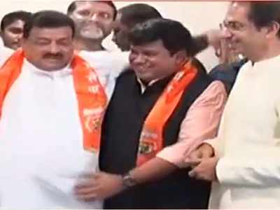 Ex-NCP minister Bhaskar Jadhav joins Shiv Sena