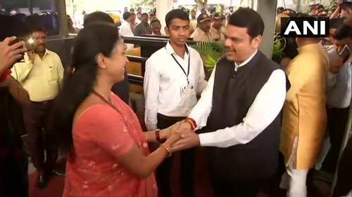Maharashtra: Oath tomorrow, Ministeries yet to be worked out