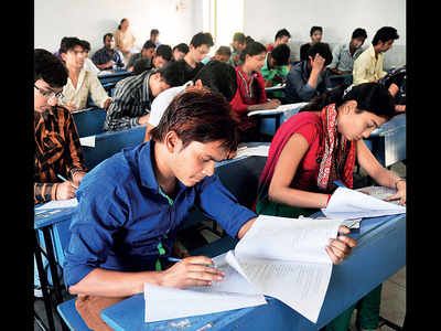 SPPU mixed up exam options, say students