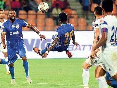 After a humiliating 0-5 loss to Goa, Mumbai City FC bounce back to down Dynamos at home