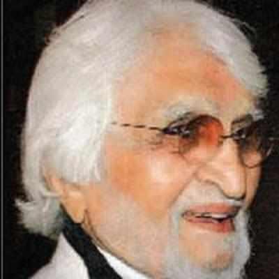MF Hussain goes fida over Amrita, again!