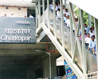 Bridge to integrate rly station, Metro; buses within 100 mts of exit