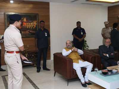 Fake news alert: Was this photo of Amit Shah clicked after lawyers and Delhi Police clashed in Tis Hazari Court?