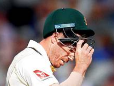 Stuart Broad dismisses David Warner; Steve Smith comes to the rescue
